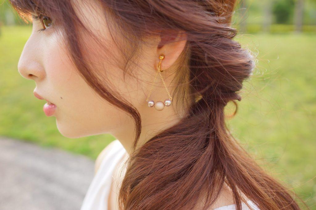 三田の美容師に聞いた!簡単にできる、湿度が高くても可愛くまとまる夏のお色気ヘアアレンジ♡